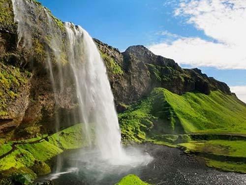 第10天 冰岛 维克黑沙滩 驾车34.76公里 > 斯科加瀑布 驾车18.